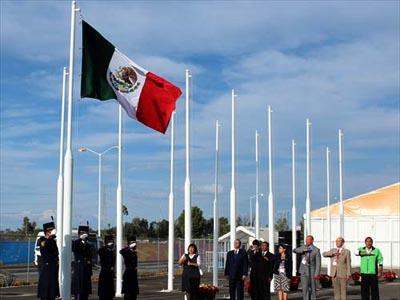 Foto: AFmedios / Izamiento de bandera mexicana