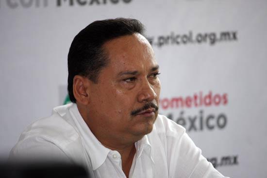 """""""Responsabilidad financiera implica no gastar más de lo que ingresa"""": Martín Flores"""