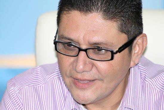 Alcalde de Coquimatlán lamenta nombramiento de José Juan Michel; le recuerda pendientes