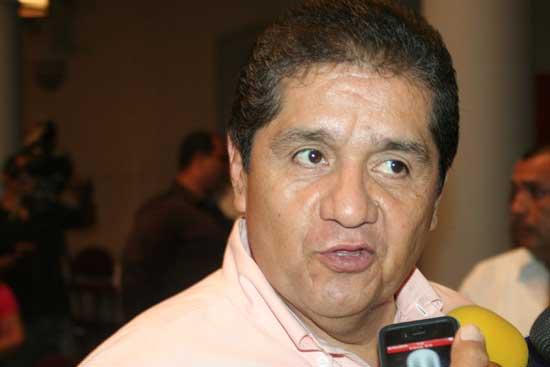 """""""U de Colima y gobierno serán socios estratégicos en muchos proyectos"""": rector electo"""