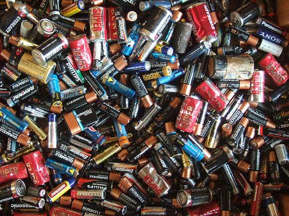 Ayuntamientos no han colocado contenedores para residuos electrónicos