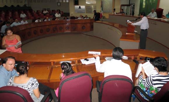 PAN insistirá en eliminación de la tenencia; PRD aplaude ampliación del plazo para pagarla