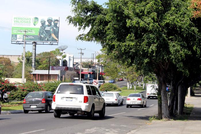 Congreso aprueba descuento a licencias de manejo durante julio