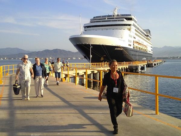 Manzanillo recibirá 8 cruceros en diciembre