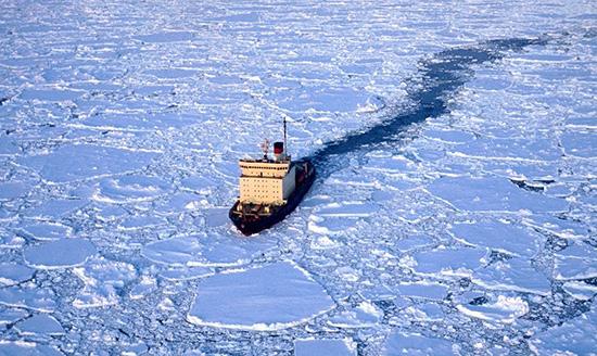Grosor del hielo complica rescate de barco ruso atrapado en la Antártida