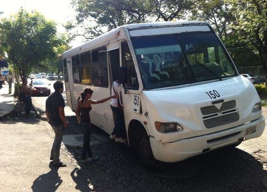 Diputada insiste en que descuento de transporte público sea también para primaria y preescolar