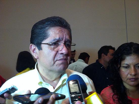 PRI, único partido que ha solicitado espacios en la U de Colima: rector