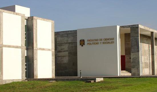 Universitarios piden que se establezca el Día del Administrador Público y el Politólogo en Colima