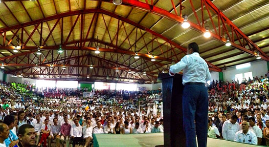 Presidente nacional del PRI toma protesta a mil cuatro comités seccionales de Colima