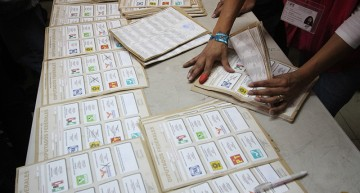 PGR y procuradurías estatales firman convenio para atacar delitos electorales