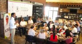 Enrique Rojas Orozco dialoga con integrantes del IPE; empresarios reconocen acercamiento del candidato