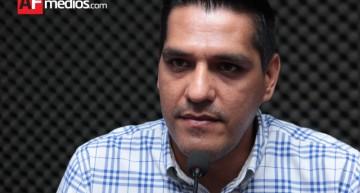 Héctor Magaña legislará por un padrón único de becas