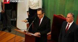 Congreso de Colima toma protesta a Ramón Pérez Díaz como gobernador interino