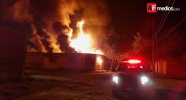 Incendio consume bodega en Tonalá, Jalisco