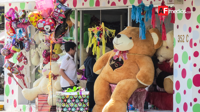 52.3 por ciento mexicanos celebrarán 14 de febrero; hombres quienes más festejan