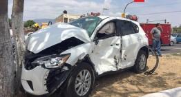 Accidente vehicular en Periférico Griselda Álvarez deja saldo de dos lesionados