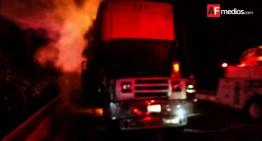 Camión incendiado ocasiona cierre de puente Ameca, Jalisco