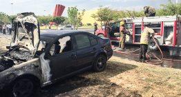 Incendio en pastizales fuera de control afecta seis vehículos en Complejo Administrativo