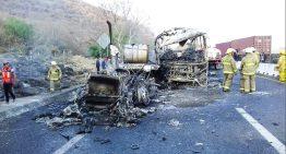 Accidente mantiene cerrada autopista Colima-Guadalajara, cerca de caseta Acatlán