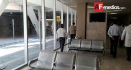 IMSS pide a familiares de pacientes no usar camas libres y respetar horarios
