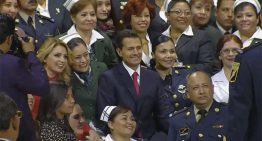 EPN se reúne con servidores públicos de todo el país, hace recuento de 4 años