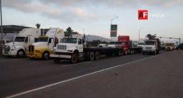 Transportistas inician manifestación en Manzanillo contra 'gasolinazo'
