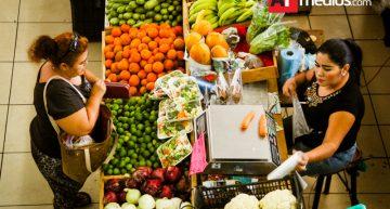 Precios al consumidor subieron 0.61% de febrero a marzo: Inegi