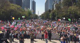 """Miles participan en marcha """"Vibra México"""" contra Trump"""