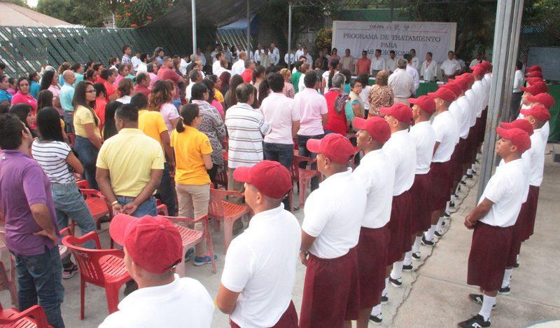Internos del Cereso de Colima reciben preliberaciones y reconocimientos