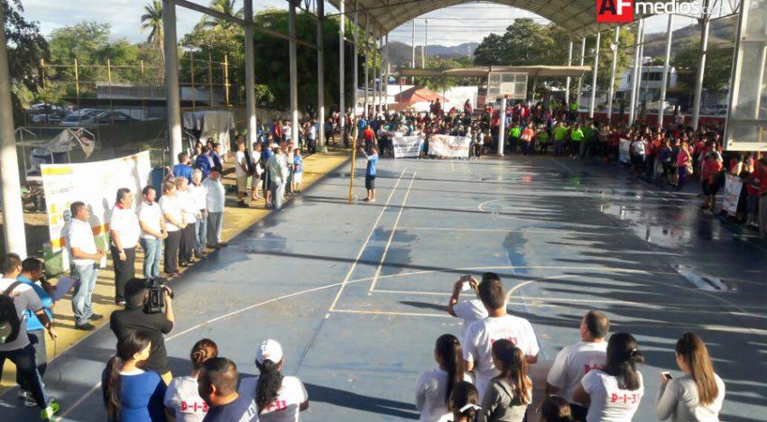 Más de mil maestros participan en los encuentros culturales-deportivos del SNTE en Mzllo