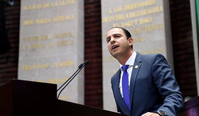 Bancada federal panista propone reducir número de legisladores