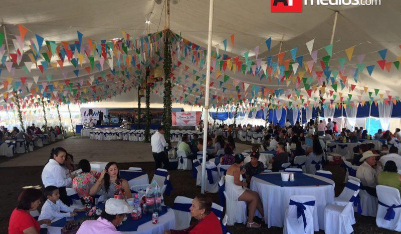 64 parejas contrajeron matrimonio en boda colectiva de La Villa