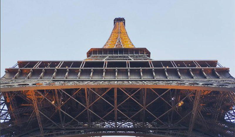 Proponen cerca de cristal para la Torre Eiffel