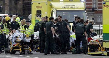 Cinco muertos por ataque con auto y cuchillo en Londres