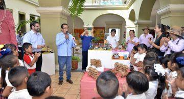 Muestran a niños y niñas de preescolar riqueza del juguete tradicional mexicano