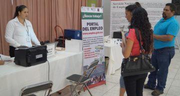 Se ofertaron 422 vacantes de en la Quinta Feria Nacional de Empleo, en Tecomán