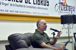 Sin leer, difícil generar pensamiento crítico: César Terrero