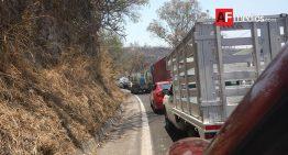 Sigue tráfico por accidente, reabren autopista Colima – GDL