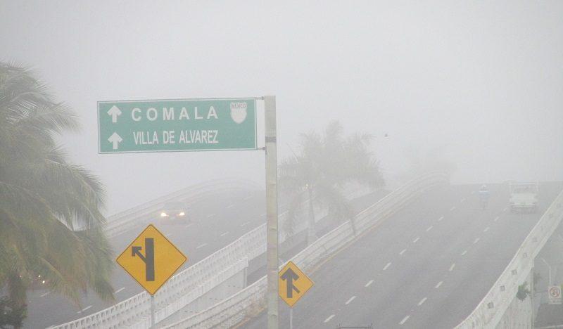 Colima y 'La Villa' amanecen con neblina