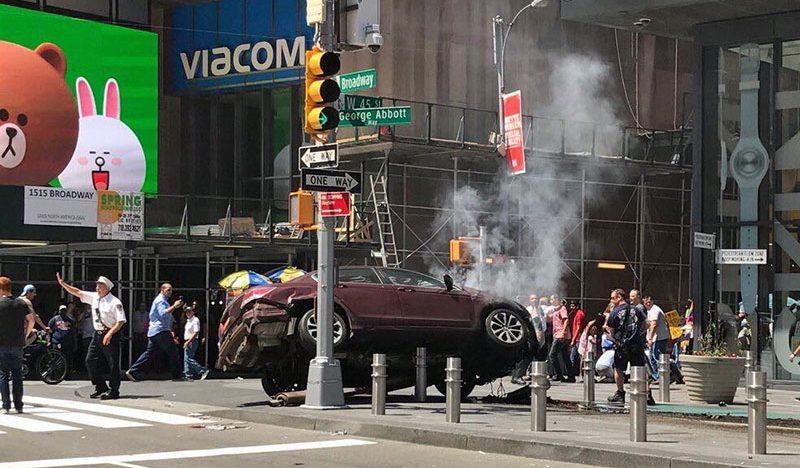Una persona muerta y varios heridos en choque de Times Square de Nueva York