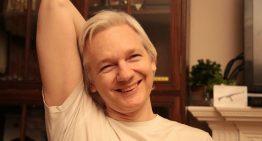 Assange libre de cargos por violación; aún pueden arrestarlo en Londres