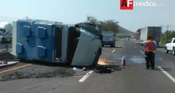 Vuelca camioneta de valores en carretera Colima –Tecomán