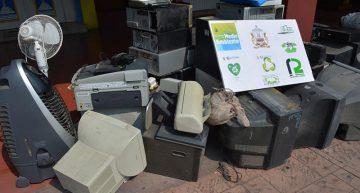 Acopian más de media tonelada de basura electrónica