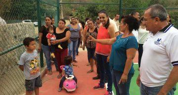 Supervisa Gaby Benavides avance de obras en la colonia Las Flores