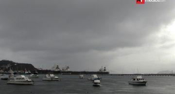 Llueve en Manzanillo; no se reportan incidencias graves