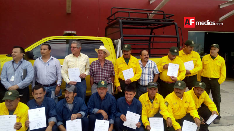 Conafor reconoce a combatientes de incendios