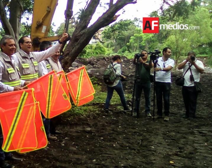 Estado arranca construcción de Paseo Turístico Río Colima