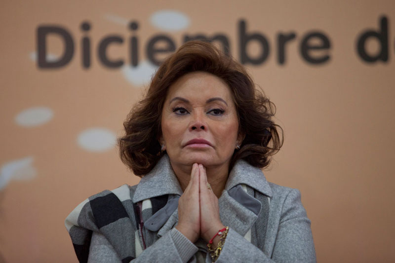 Conceden amparo a Elba Esther para prisión domiciliaria