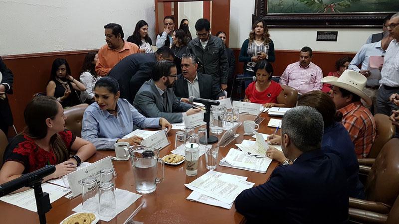 Congreso de Jalisco aprueba cárcel para quien practique sexting