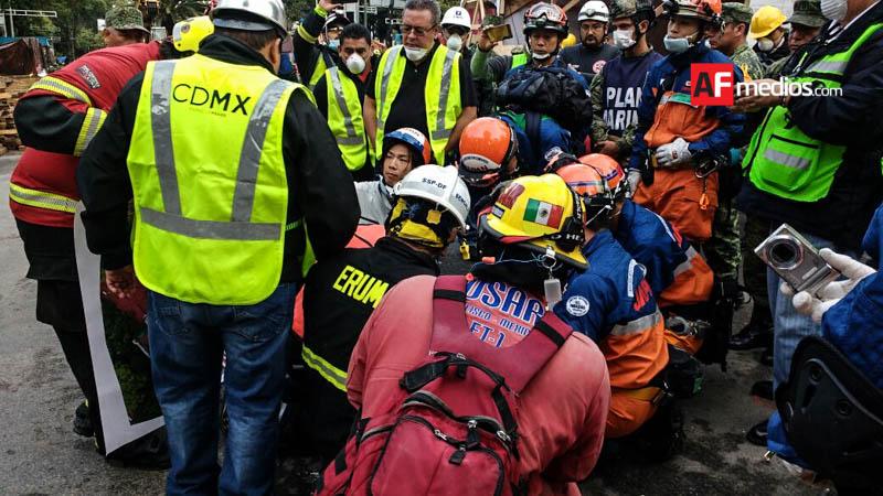Rescatistas de Jalisco localizaron dos cuerpos del edificio de Álvaro Obregón 286